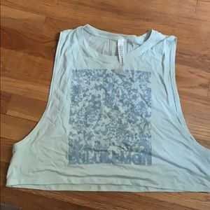 NWT muscle love crop tank * exp